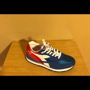 Stylish Men's Sneaker !!!